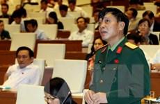 Thảo luận quy định các chức vụ có trần quân hàm cấp Tướng