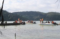 Tìm thêm được 1 thi thể trong vụ lật xuồng trên hồ Đồng Nai 4