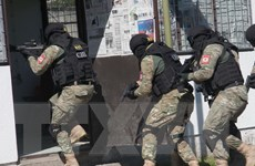 Bosnia và Herzegovina bắt 11 đối tượng nghi tài trợ khủng bố