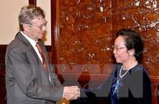 Phó Chủ tịch nước Nguyễn Thị Doan tiếp ông William Magee