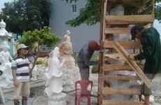 Chàng thanh niên làm giàu từ nghề điêu khắc đá truyền thống