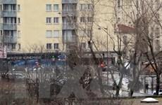 Bộ Nội vụ Pháp bác tin 2 người thiệt mạng trong vụ bắt con tin