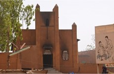 Vụ Charlie Hebdo: 45 nhà thờ Thiên chúa giáo ở Niger bị đốt cháy
