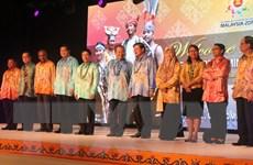 Phó Thủ tướng, Bộ trưởng Ngoại giao dự tiệc chiêu đãi tại Malaysia