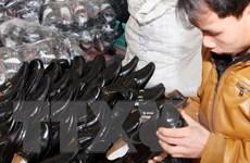 """Giúp doanh nghiệp da giày miễn dịch trước """"cơn lốc hàng ngoại"""""""