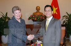 Đề nghị Hoa Kỳ tăng cường các dự án rà phá bom mìn tại Việt Nam