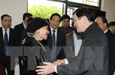 Chủ tịch nước trao quà an sinh xã hội tặng hộ nghèo biên giới
