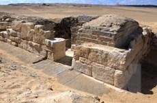 Phát hiện 2 lăng mộ cổ 4.200 năm thờ thầy tế tại Ai Cập