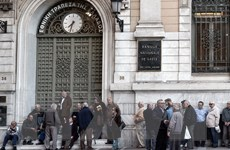 """Moody's hạ bậc xếp hạng nợ của Hy Lạp xuống mức """"vô giá trị"""""""
