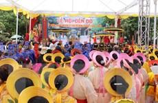 Hàng vạn du khách đổ về khai lễ hội Đền Đô tại Bắc Ninh