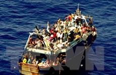 LHQ cân nhắc giải pháp phá hủy tàu thuyền dùng chở người nhập cư