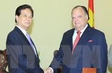 Thủ tướng Nguyễn Tấn Dũng tiếp Đại sứ Peru Carlos Berninzon