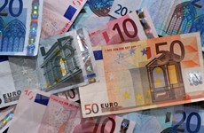 Đồng euro phục hồi nhờ hy vọng về một thỏa thuận cứu trợ Hy Lạp