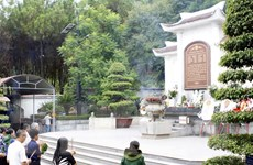 Chủ tịch MTTQ dâng hương tại Khu di tích lịch sử Ngã ba Đồng Lộc