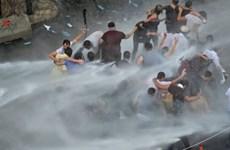 Khủng hoảng rác gây bạo động nghiêm trọng tại Liban