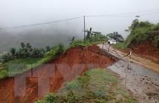 Sạt lở hàng nghìn m3 đất đá trên các tuyến đường huyết mạch Hà Giang