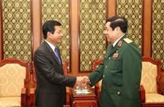 Đại tướng Phùng Quang Thanh tiếp Đại sứ Lào đến chào từ biệt
