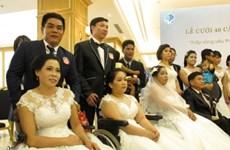 Xúc động lễ cưới tập thể của 40 cặp đôi khuyết tật tại TP.HCM