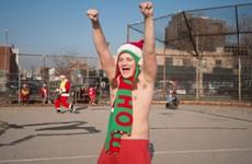 New York ấm kỷ lục, nhiều ông già Noel phải mặc áo phông