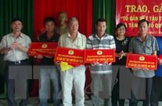 Trao tặng 1.000 lá cờ Tổ quốc cho ngư dân Phú Yên