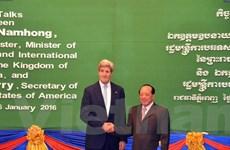 Ngoại trưởng Mỹ John Kerry hội đàm với Ngoại trưởng Campuchia