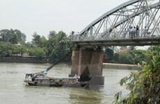 Giây phút khẩn cấp của những người ngăn tàu trong vụ sập cầu Ghềnh
