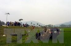 Nghệ An: Ôtô mất lái đâm vào xe máy, 3 người thương vong