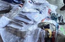 Thu giữ gần 2.000 áo thun Nike, Puma nhập khẩu nghi là hàng nhái