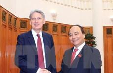 Thủ tướng Nguyễn Xuân Phúc tiếp Bộ trưởng Ngoại giao Anh