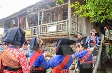 [Photo] Lễ hội té nước - cầu mưa của người Lào ở Điện Biên