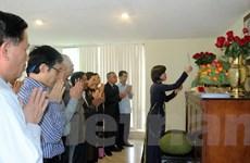 Đại sứ quán Việt Nam tại Mexico tổ chức dâng hương nhân ngày Giỗ Tổ