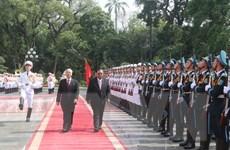 Tổng Bí thư đón và hội đàm với Tổng Bí thư, Chủ tịch nước Lào