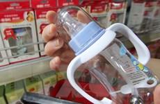 EU xem xét lại tác động của chất dùng để sản xuất bình sữa trẻ em