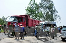 Hỗ trợ các nạn nhân trong vụ tai nạn ôtô tại Quảng Ngãi