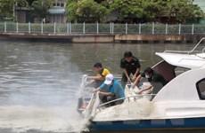 Cơ bản xử lý xong cá chết và ô nhiễm trên kênh Nhiêu Lộc-Thị Nghè