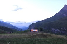 Trải nghiệm căn phòng không giới hạn trên đỉnh núi Alps