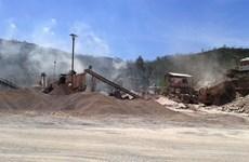 Dân dựng lán ngăn chặn trộn bêtông asphalt gây ô nhiễm môi trường