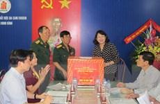 Trao quà tặng nạn nhân chất độc da cam/dioxin tại Ninh Bình