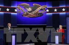 Bà Hillary Clinton gây ấn tượng trong cuộc tranh luận đầu tiên