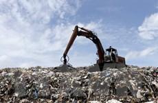Mùi hôi từ bãi rác Đa Phước đã giảm nhưng chưa hết và vẫn gây ô nhiễm