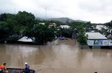 Áp thấp nhiệt đới gần quần đảo Trường Sa, lũ khẩn cấp tại Phú Yên