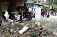 Người dân tại thành phố Vinh tự ý lập chốt chặn xe tải trọng lớn