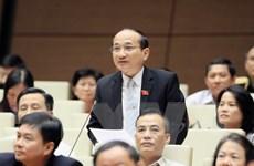 Nhiều đại biểu chưa hài lòng với phần trả lời của Bộ trưởng Bộ Nội vụ