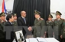 Các đoàn đại biểu tiếp tục đến viếng lãnh tụ Cuba Fidel Castro Ruz