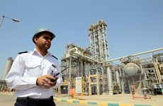 Thỏa thuận OPEC sẽ làm gia tăng nguồn thu của Iran, Venezuela