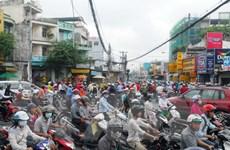Tắc đường gần 4 tiếng đồng hồ tại khu vực sân bay Tân Sơn Nhất