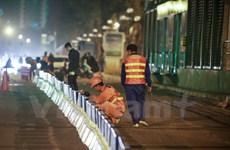 Hà Nội lắp dải phân cách cứng bảo vệ làn đường buýt nhanh BRT