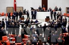 Quốc hội Thổ Nhĩ Kỳ phê chuẩn tăng cường quyền lực của Tổng thống