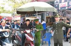 Tổ chức các điểm trông giữ xe miễn phí tại chùa Phúc Khánh, phủ Tây Hồ