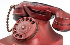 """Bán đấu giá chiếc điện thoại """"vũ khí hủy diệt"""" của Adolf Hitler"""